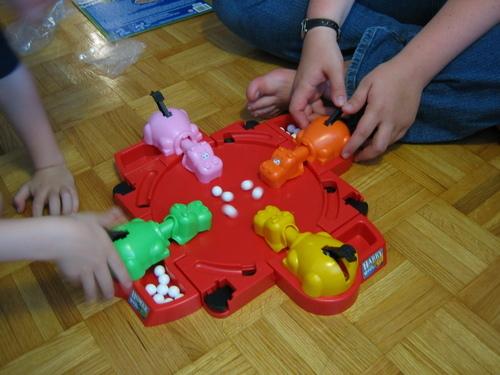imagen del juego tragabolas para mesa